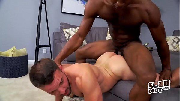 Porno de homem casado dando a bunda pro negão