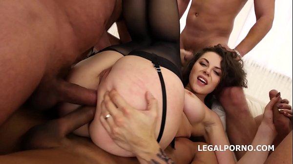 Porno putaria com dupla penetração anal