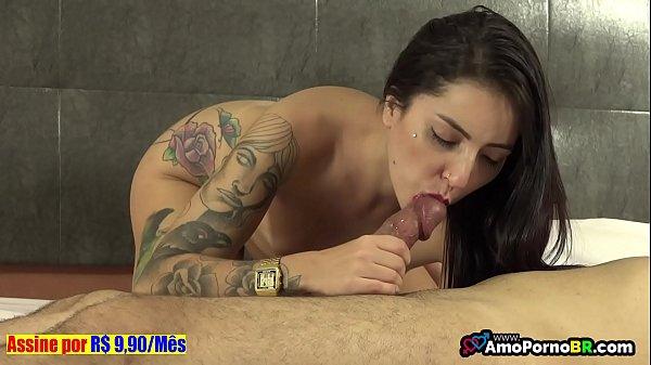 Melissa Lisboa caindo de boca na pica