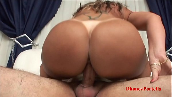Sexo carioca HD com loira madura de cu grande