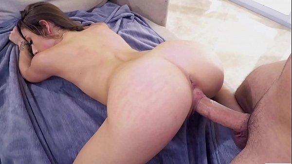 Metendo o piru na buceta da namorada