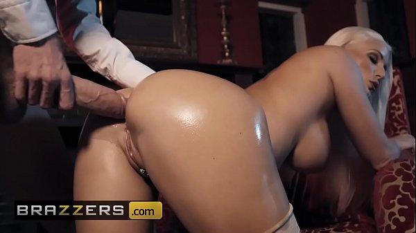 Porno brazzers loira peituda fazendo anal