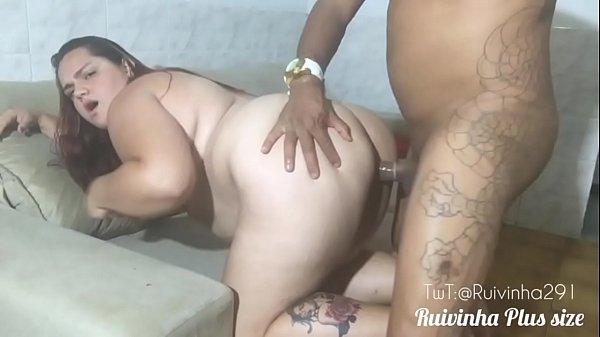 Gordinha brasileira dando de quatro no sexo caseiro